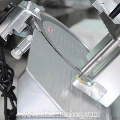 Máy thái thịt tự động SL300B